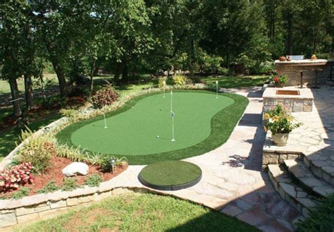 Cost Of Putting Green In My Backyard by Artificial Grass And Lawn Turf Tx Creative