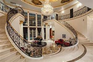 Image Gallery inside of big mansions