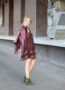 Kleid Mit Stiefeletten : outfit lederjacke metallic boho kleid stiefeletten mit fransen purpur khaki 6 lavie deboite ~ Frokenaadalensverden.com Haus und Dekorationen
