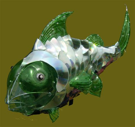 figuras de peces en material reciclado cg reciclado art 237 stico nueva obra de la serie peces