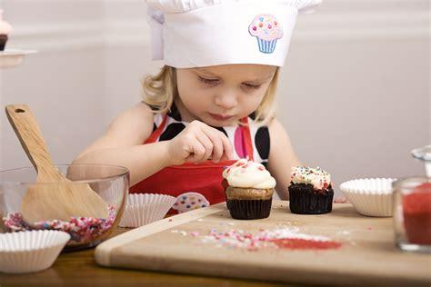 cuisiner avec les enfants cuisiner avec des enfants recettes faciles pour enfants