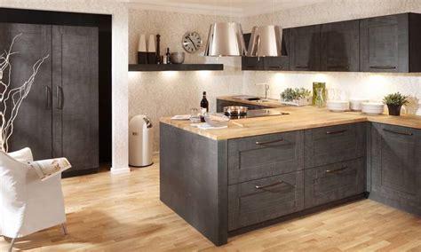 cuisine blanche en bois davaus cuisine contemporaine grise et bois avec