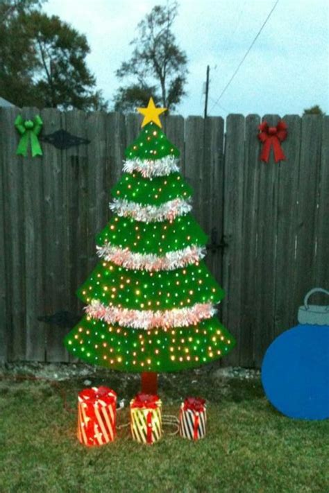 wooden christmas tree     plywood