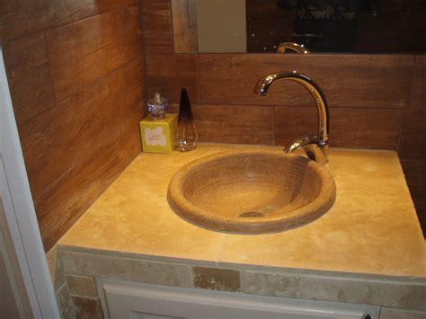 salle de bain travertin entretien