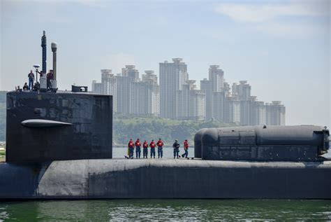 Ohio-class guided-missile submarine USS Ohio (SSGN-726 ...