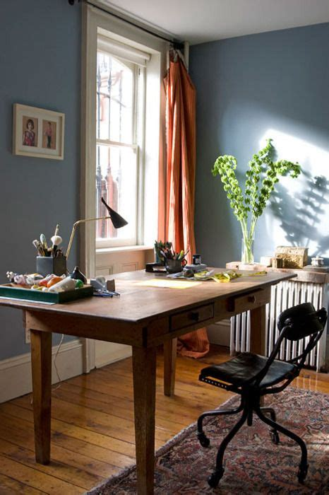 white skirting boards deco blue office