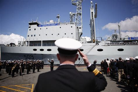 Boat Supplies Winnipeg by Canadian Navy Will Retrofit Ship To Replace