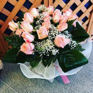 mazzo di fiori per una ragazza fiori per i 18 anni quali fiori regalare