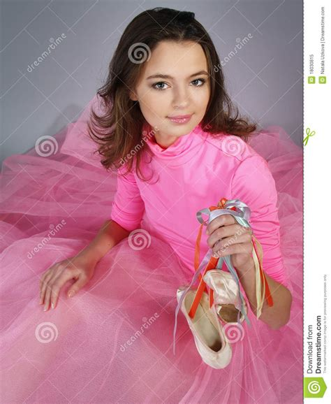 Schouw Foodware by Young Ballerina In A Pink Dress Shows Modern Dance Royalty
