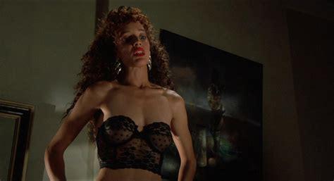 Nude video celebs » Jennifer Beals sexy, Kasi Lemmons nude - Vampire's Kiss (1989)