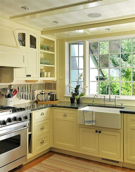 butter yellow kitchen cabinets best 25 pale yellow kitchens ideas on yellow 5005