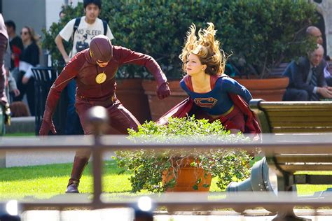 flashsupergirl crossover pics    joe