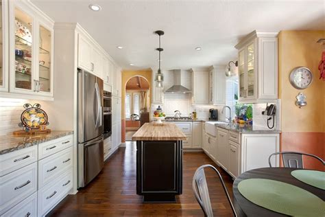 decoration salon avec cuisine ouverte cuisine idee deco cuisine ouverte sur salon avec clair couleur idee deco cuisine ouverte sur