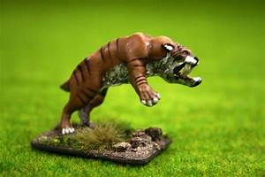 DeeZee Miniatures SMILODON or SABRE TOOTH TIGER (Attacking ...
