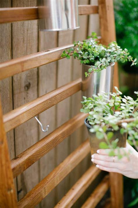 Diy Vertical Wall Garden by Go Vertical Fresh Diy Vertical Garden Projects The
