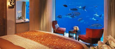 chambre d hotel dubai le design d 39 une chambre d 39 hôtel de luxe sous marine