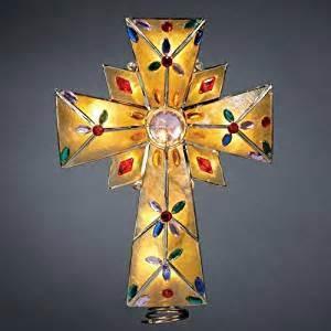 amazon com kurt adler 10 quot gold capiz cross tree topper christmas tree toppers