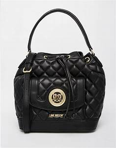 Love Moschino Beuteltasche : lyst love moschino quilted bucket bag in black in black ~ A.2002-acura-tl-radio.info Haus und Dekorationen