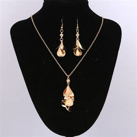 New Fashion High Quality Jewelry Sets Leaves Hook Hollow