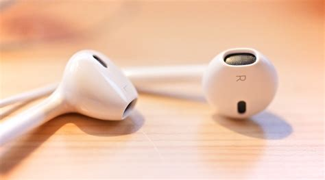 apple iphone headphones you tried these tricks with your iphone headphones