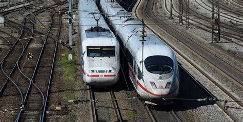 Skaitļi un fakti: Dzelzceļš pēc pandēmijas var pārņemt daļu aviācijas pasažieru / Raksts