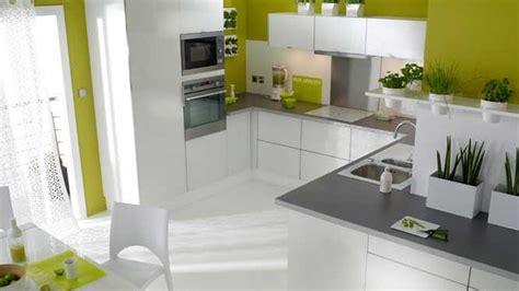 deco cuisine blanche et grise salle de bain verte et blanche