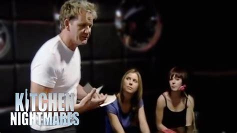 Kitchen Nightmares Uk Free by Waiter With Gordon Ramsay Kitchen Nightmares