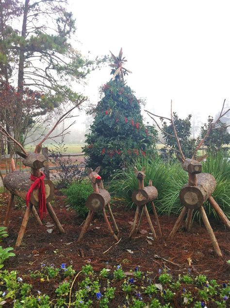 wood reindeer family   natural christmas tree