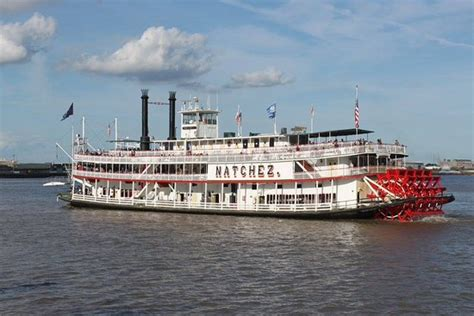 Steamboat Natchez by Natchez Picture Of Steamboat Natchez New Orleans