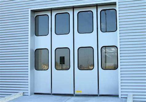 portoni capannoni portoni a libro per capannoni e magazzini chiusure cisa