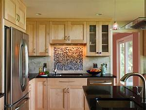 Glass tile backsplash ideas pictures tips from hgtv hgtv for Kitchen colors with white cabinets with film reel wall art