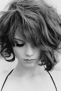 Messy Long Bob 7 Lovely Hairstyles Ideal For Round