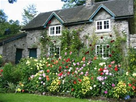 Priscilla's Cottage 'in An English Country Garden' And