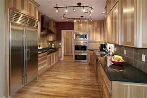 un four encastrable noir pour votre cuisine jolie et moderne With kitchen cabinets lowes with pliages serviettes papier facile