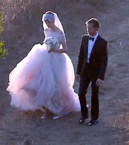 More Pics Of Anne Hathaway Wedding Dress 18 Of 52 Anne