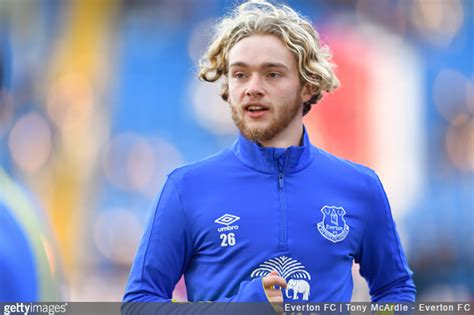 premier league everton youngster tom davies wins january pfa player   month award photo
