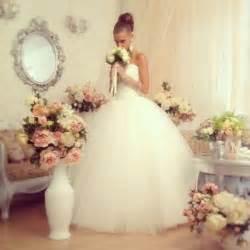 shabby chic wedding dress ideas shabby wedding shabby chic wedding 2047950 weddbook