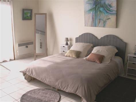 decoration chambre adulte grise chambre vieux et beige
