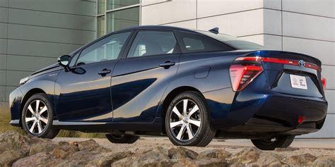 toyota mirai hydrogen fuel cell vehicle headed