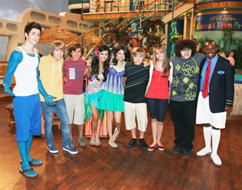 image wizards on deck with hannah montana cast jpg the