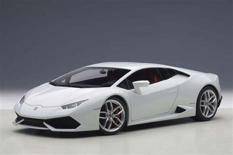 7 Days To Die Wallpaper Autoart Highly Detailed Die Cast Model Metallic White Lamborghini Huracan Lp610 4 Autoart 74602