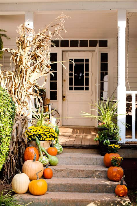 Fall Porch Displays by Fall Decor Front Steps Pumpkin Display Seasons Peak