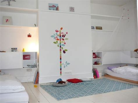 chambres enfants comment aménager une chambre partagée par plusieurs enfants