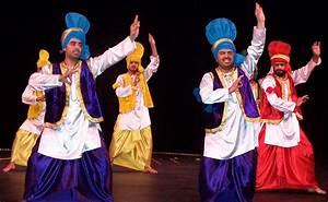 Costume of Punjab| Punjabi dress| Traditional dress of ...