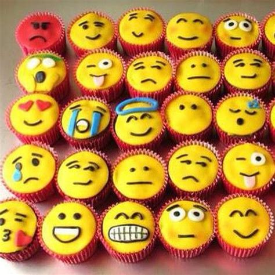 cupcake emoji for iphone emoji cupcakes omg