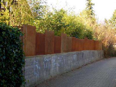 Zaun Und Sichtschutz Aus Rostigem Stahl