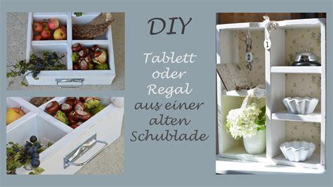 deko aus alten büchern diy tablett oder regal aus einer alten schublade selber machen upcycling