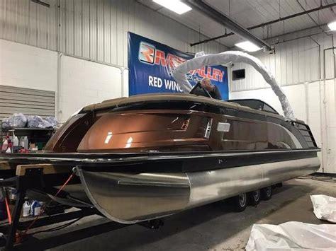 Bennington Qx Pontoon Boats For Sale by Bennington 25 Qx Fastback Windscreen Sport Arch Boats For