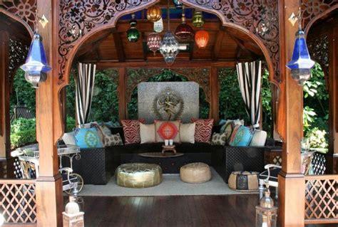 couvrir un canapé salon marocain maison avec jardin déco salon marocain