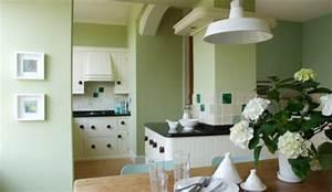 decoration salon vert pistache chaioscom With choix des couleurs de peinture 8 construction neuve bientat le choix delicat du carrelage